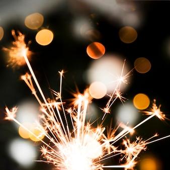 Iluminada luz de bengala festiva