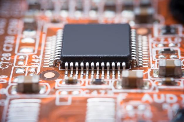 Imagen de cerca: placa madre del circuito eléctrico de la computadora