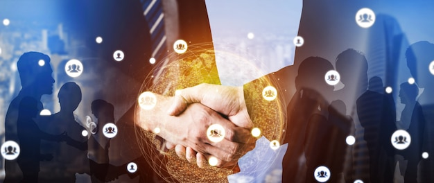 Imagen creativa de muchas personas de negocios reunión de grupo de conferencia