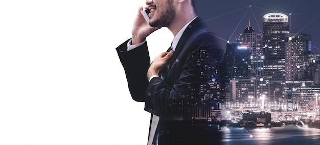Imagen de doble exposición de comunicación empresarial