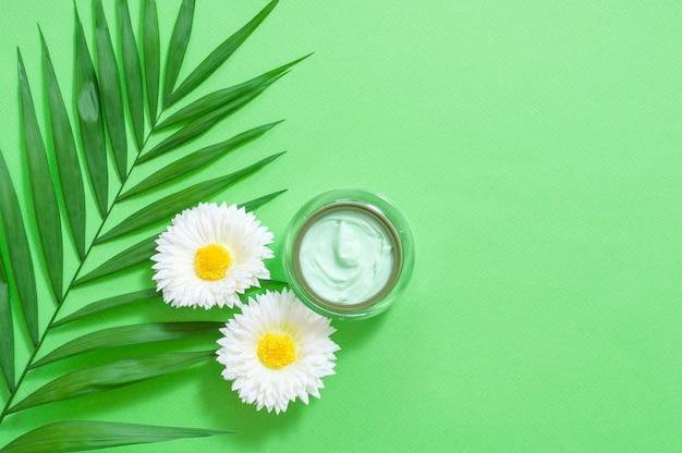 Imagen de ingredientes cosméticos caseros. tema de aroma
