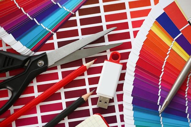 Impresión en color de las estadísticas de pantone offset