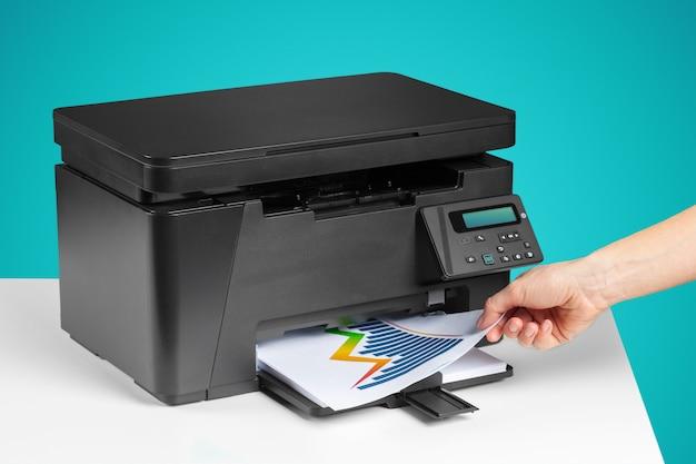 Impresora, copiadora, escáner, mesa de oficina