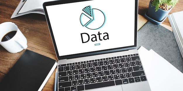 Información de datos comerciales en la pantalla de un dispositivo