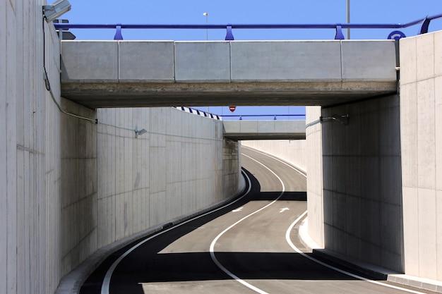 Ingeniero civil. estructura del puente
