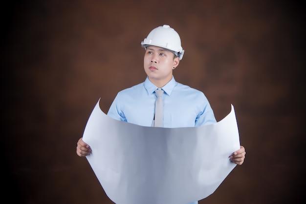 Ingeniero hombre, concepto trabajador de la construcción