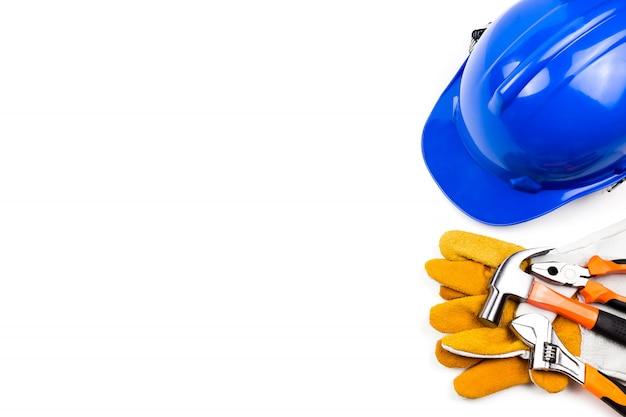 Ingeniero de sombrero con herramienta.