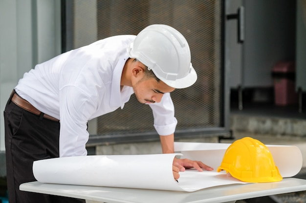 Los ingenieros estructurales serán redactados en papel blanco.