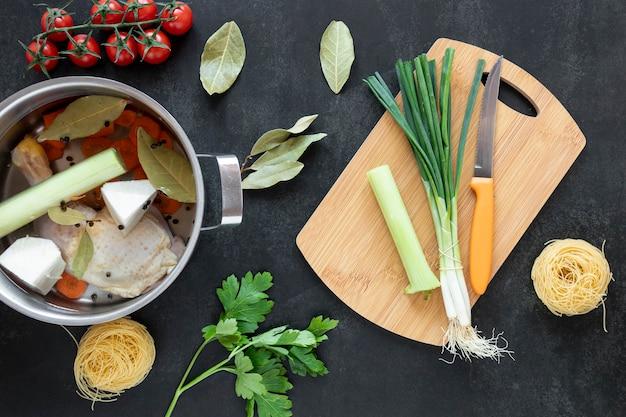 Ingredientes de comida vegetariana saludable para sopa