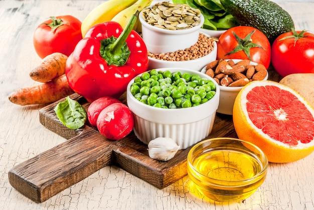 Ingredientes de dieta alcalina, alimentos saludables.