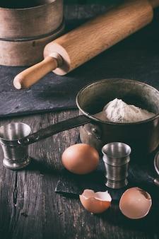 Ingredientes para hacer masa.