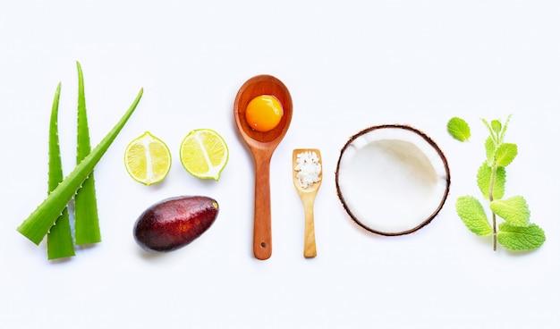 Ingredientes naturales para el cuidado casero de la piel.