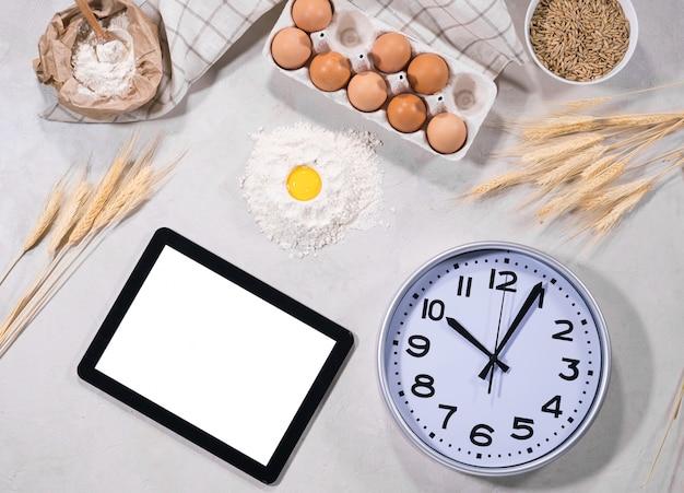 Ingredientes naturales para hornear con tableta