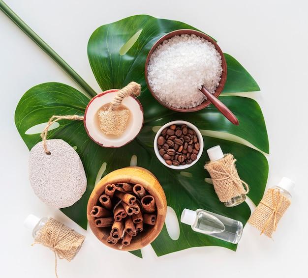 Ingredientes naturales planos para cosméticos.
