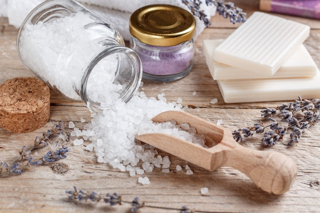 Ingredientes naturales para spa y relajación.
