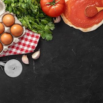 Ingredientes de pizza de espacio de copia