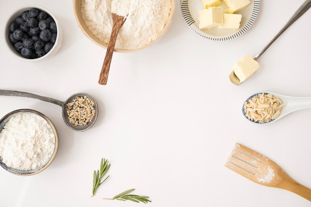 Ingredientes de postre hermoso y delicioso espacio de copia