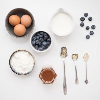 Ingredientes de postre hermosos y deliciosos