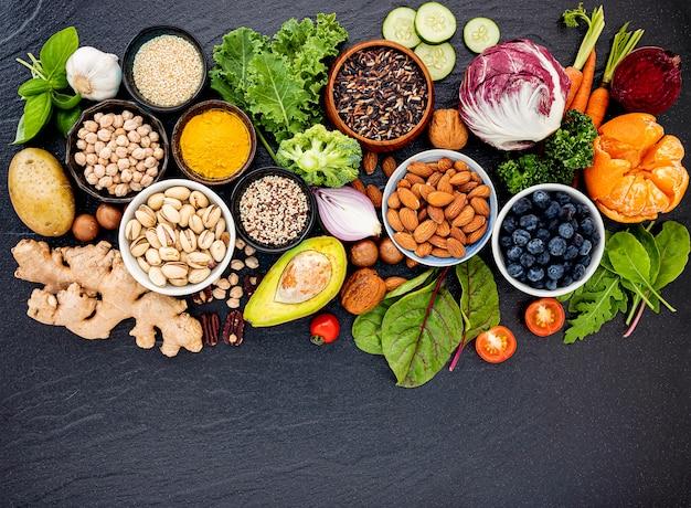 Ingredientes para la selección de alimentos saludables.