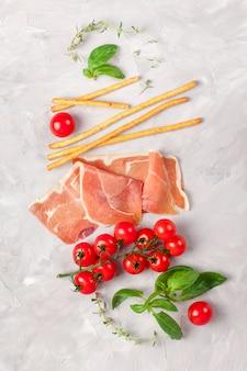 Ingredientes tradicionales de la cocina italiana.