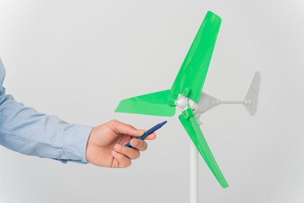 Innovación en turbinas eólicas en miniatura