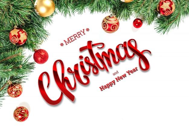 La inscripción de feliz navidad, abeto verde y juguetes en un blanco. tarjeta de navidad, fondo festivo. técnica mixta