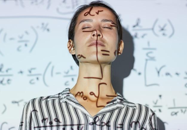 Inspirado en las matemáticas.