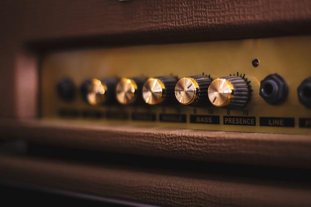 Instrumento de guitarra acústica