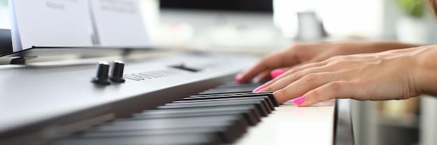 Instrumento musical electronico