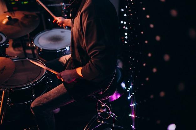 Instrumentos musicales en una fiesta