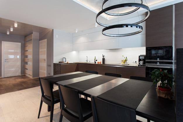 Interior de una cocina de alta tecnología.