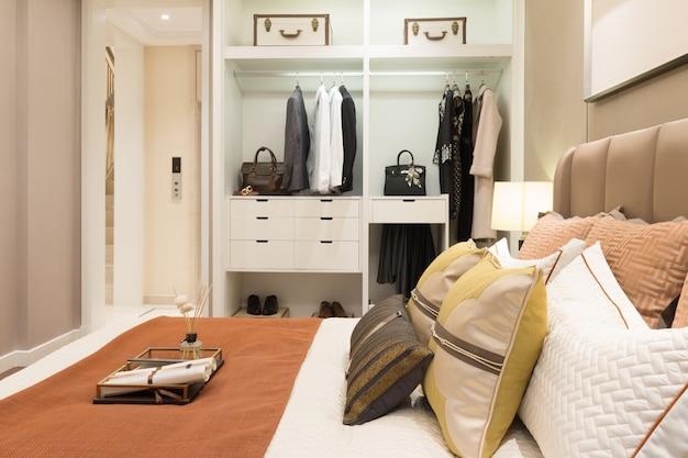 Interior de dormitorio moderno.