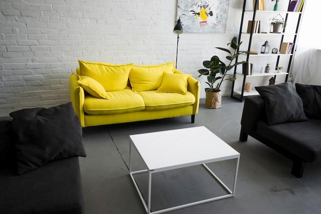 Interior de la elegante sala de estar