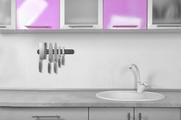 Interior de la hermosa cocina moderna