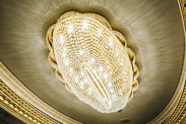 Interior de lujo hermoso de la decoración de la lámpara
