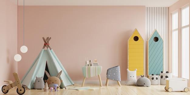 Interior de la sala de juegos infantil con carpa