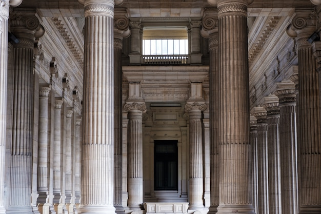 Interior de los tribunales de justicia de bruselas en bélgica