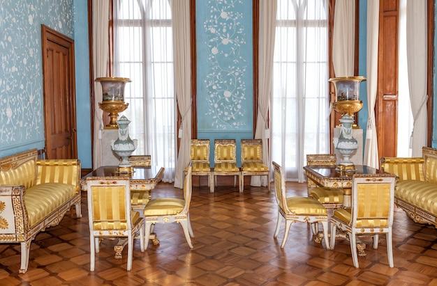Interior vintage del palacio vorontsov en estilo barroco y rococó.