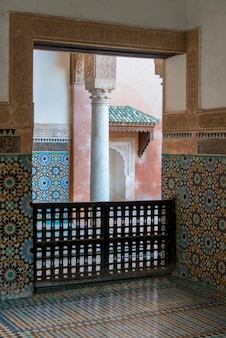 Interiores de un mausoleo, saadian tombs, marrakesh, morocco