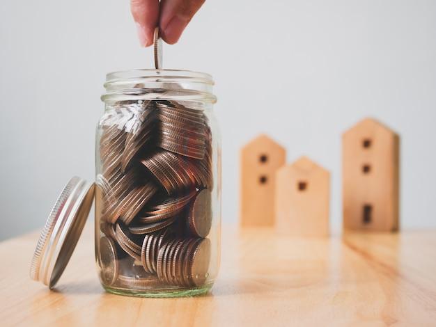 Inversión inmobiliaria de bienes raíces y concepto hipotecario de vivienda.