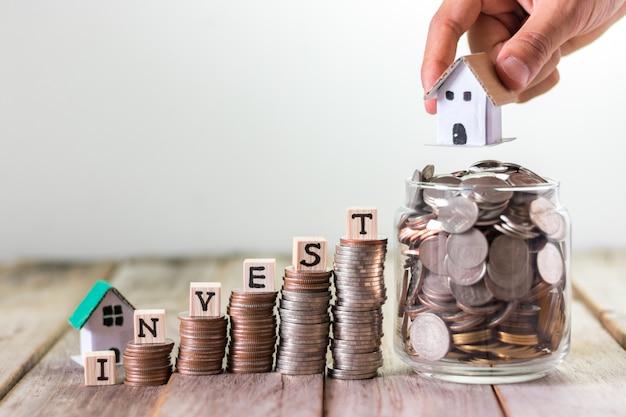 Inversión de viviendas, ahorro de dinero para hipoteca.