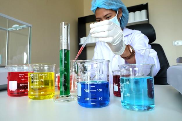 Investigando en laboratorio