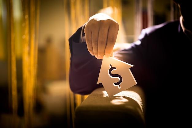 Invierta en bienes raíces para el futuro, familia y educación, crédito y banca, copie el espacio.