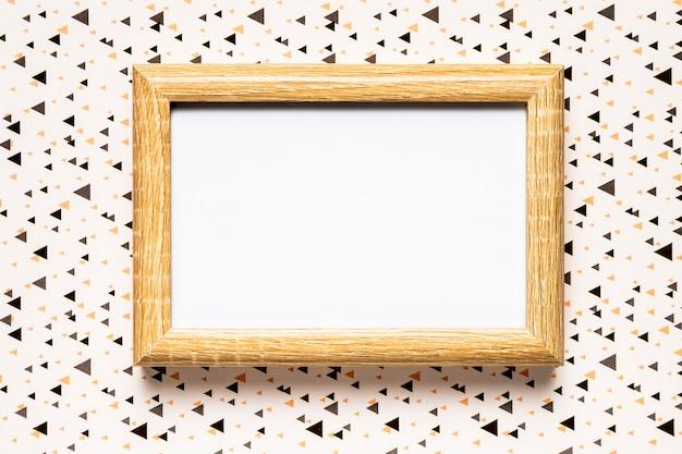 Invitación de boda con marco de madera