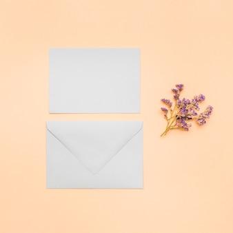 Invitación de boda plana en blanco