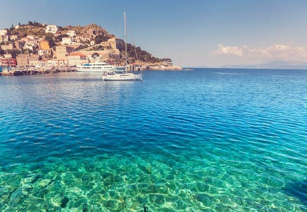 Isla original de hydra en grecia