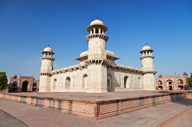 Itimad ud daulah palacio