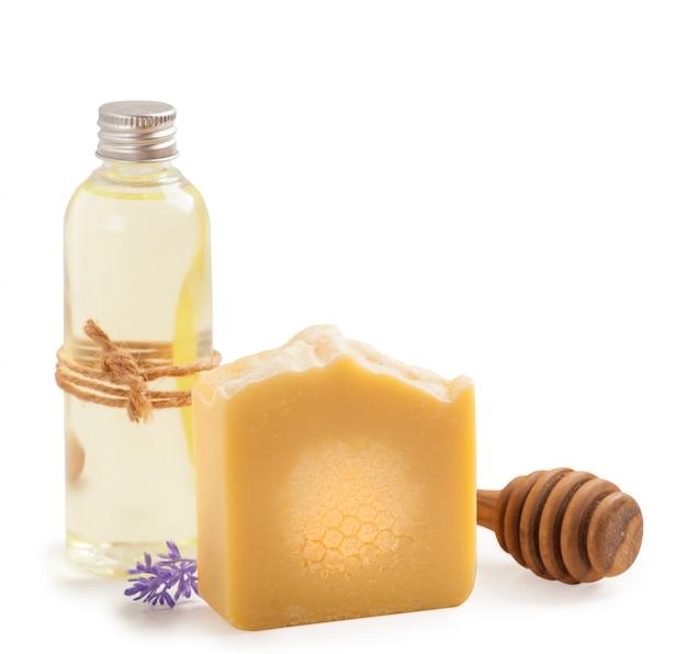 Jabón y aceite de miel natural hecho en casa.