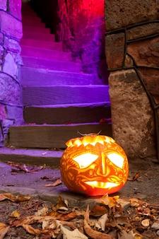 Jack o'lantern en la noche de halloween