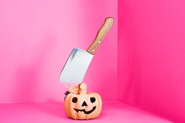 Jack-o-linterna con cuchilla